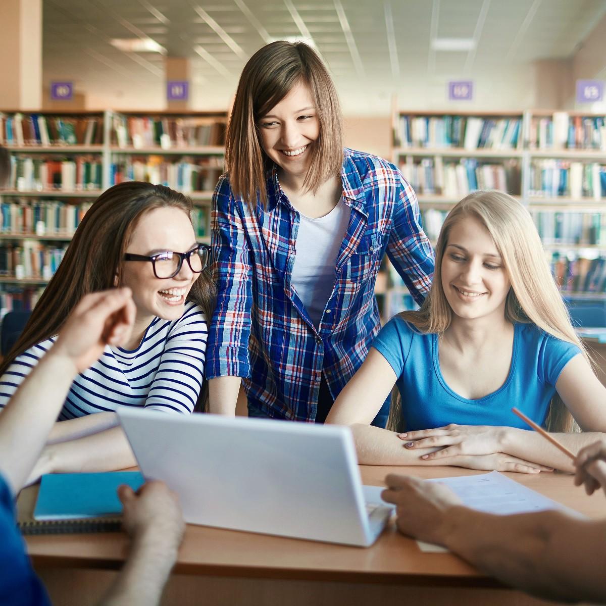 Club Explore English anglų kalbos kursai paaugliams (5-11 kl.)
