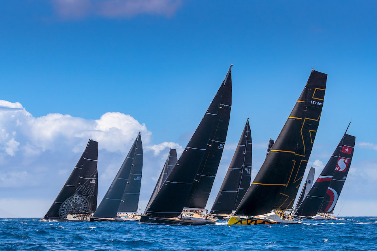 """""""Ambersail 2"""" startas didžiųjų jachtų lenktynėse su pirmaisiais iššūkiais"""