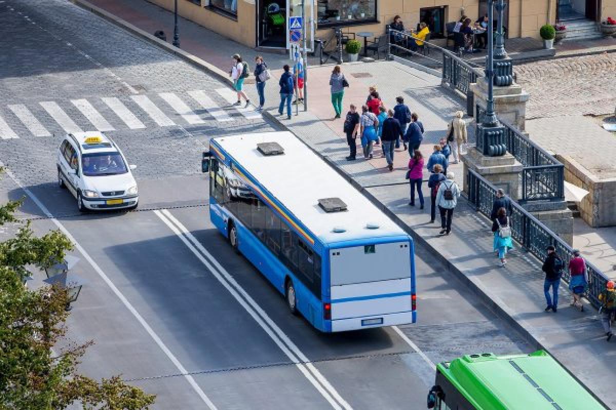 """""""Dieną be automobilio"""" nemokamos kelionės autobusu ir lenktynės"""