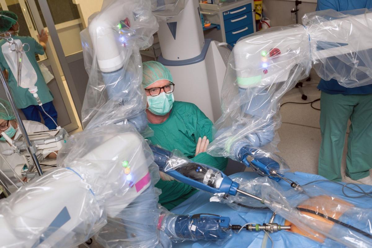 Vienintelė Baltijos šalyse Klaipėdos universitetinė ligoninė plėtoja robotinę chirurgiją