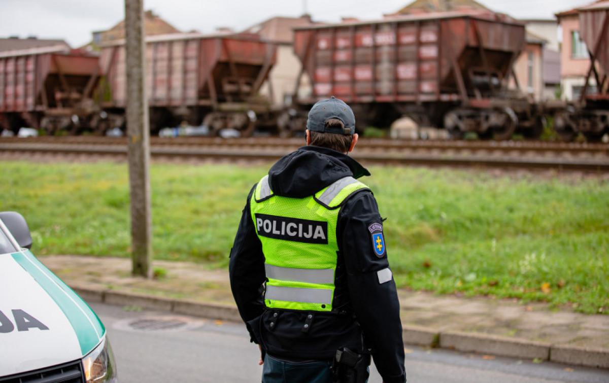 Patikrinimą prie geležinkelio surengę Klaipėdos pareigūnai užfiksavo kelis pažeidimus