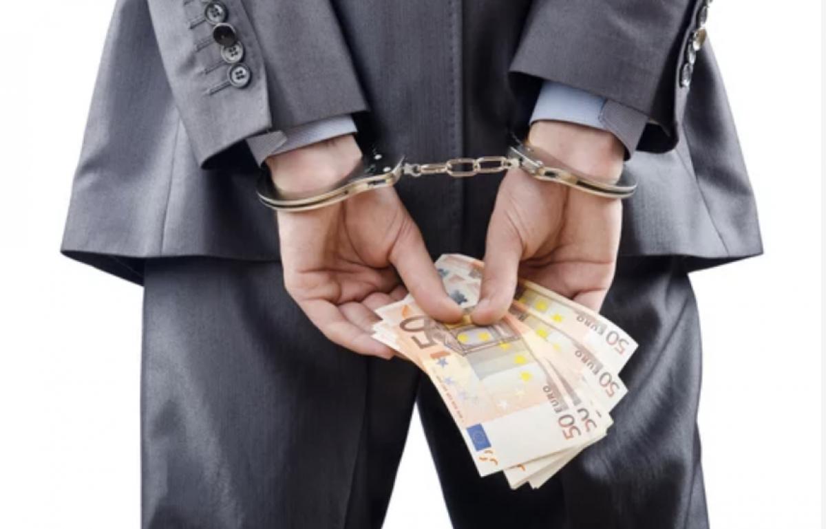 Teisiamųjų suole – beveik 400 tūkst. eurų pasisavinęs uostamiesčio įmonės direktorius