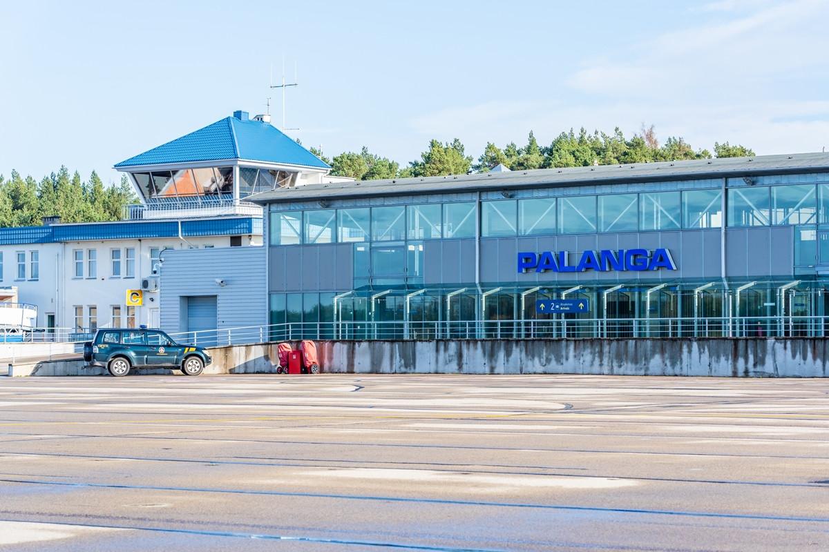 Už 13,6 mln. eurų rekonstruos Palangos oro uosto kilimo-tūpimo taką