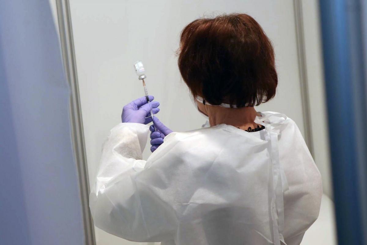 77-erių lietuvis mirė kelios minutės po skiepo nuo COVID-19: mirtis su vakcina nesiejama