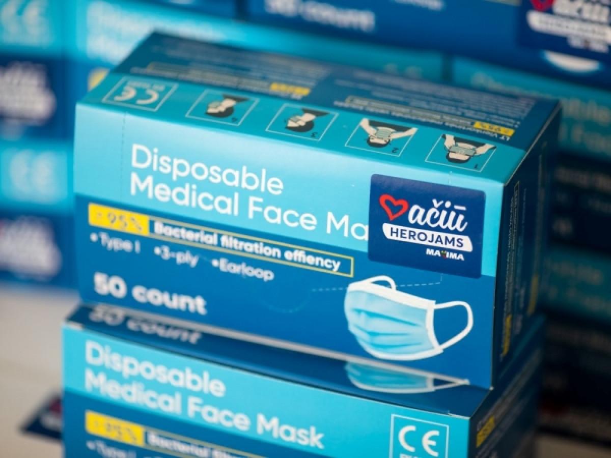 """Nuo šiandien """"Maximos"""" parduotuvėse pirkėjams kaukės bus išduodamos nemokamai"""