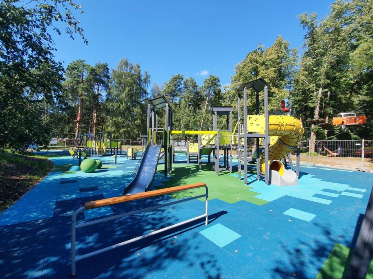 Atnaujinta vaikų žaidimų aikštelė Poilsio parke
