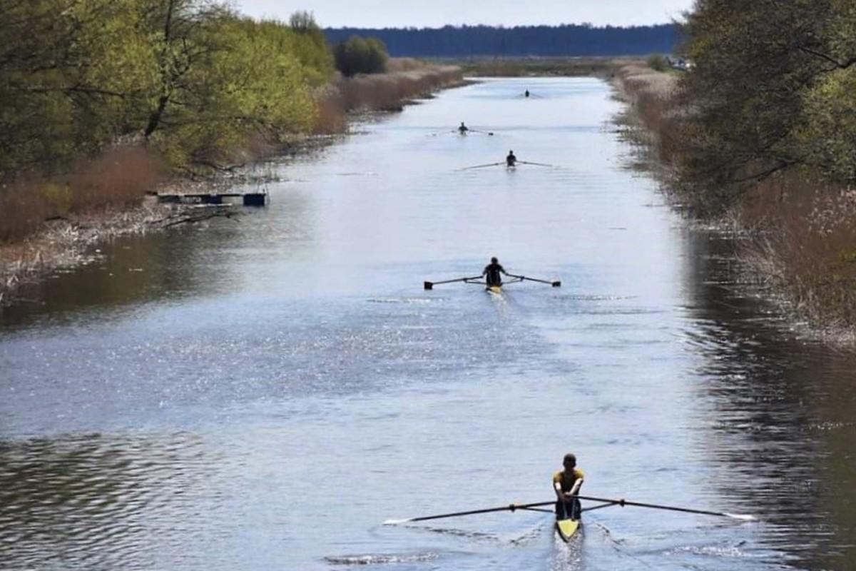 Karaliaus Vilhelmo kanalo regatos dalyviai nenustygsta – jau veržiasi ir į Kuršių marias