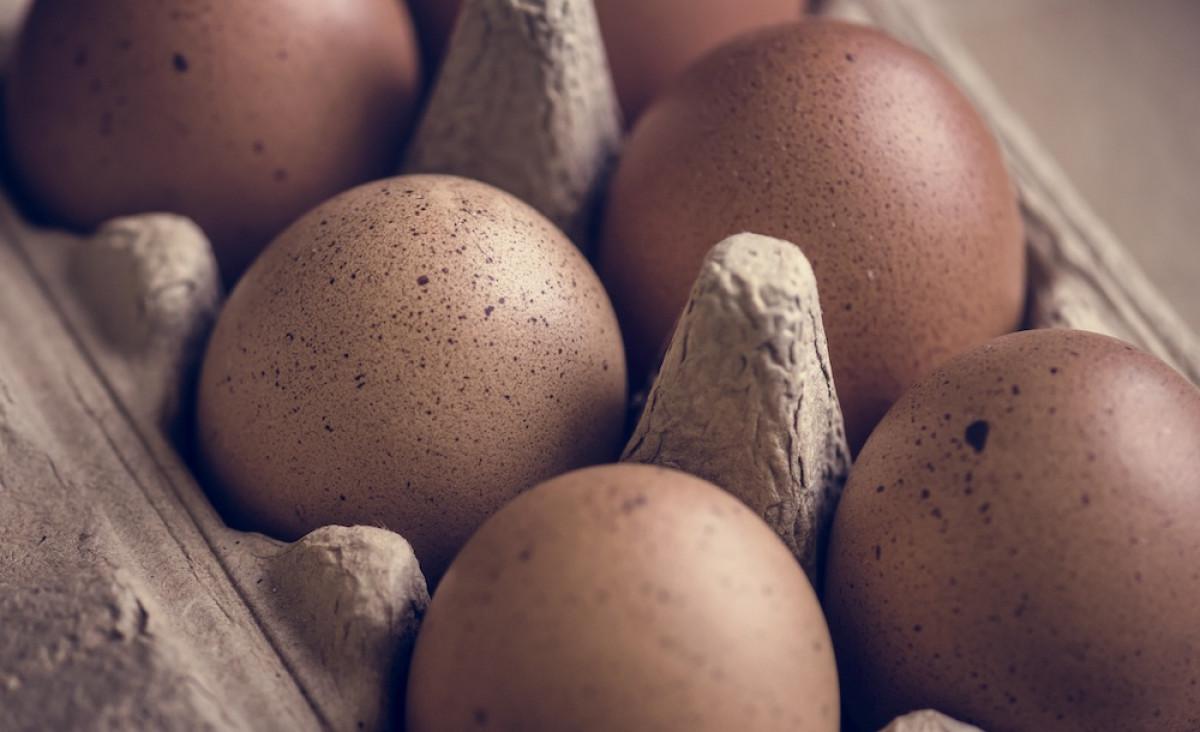 Šv. Velykų laikotarpiu vienas prekybos tinklas siūlys nuolaidas tik tam tikros rūšies vištų kiaušiniams