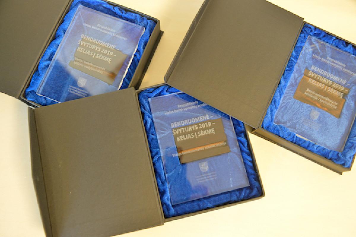 Respublikiniuose Lietuvos bendruomenių apdovanojimuose sužibėjo Klaipėdos miesto ir Skuodo raj. bendruomenės