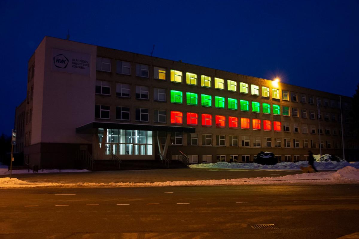 Klaipėdos valstybinė kolegija jungiasi į Lietuvos trispalvių jūrą