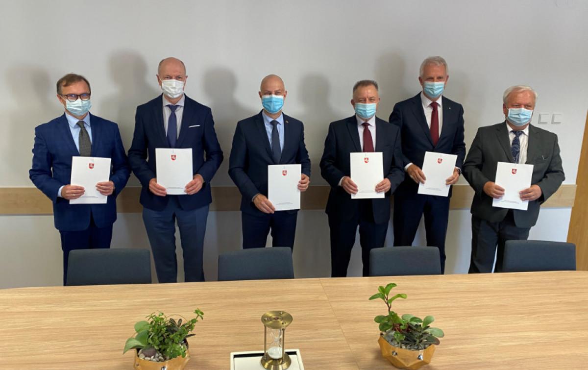 Penkių pagrindinių šalies ligoninių vadovai pasirašė bendradarbiavimo susitarimą