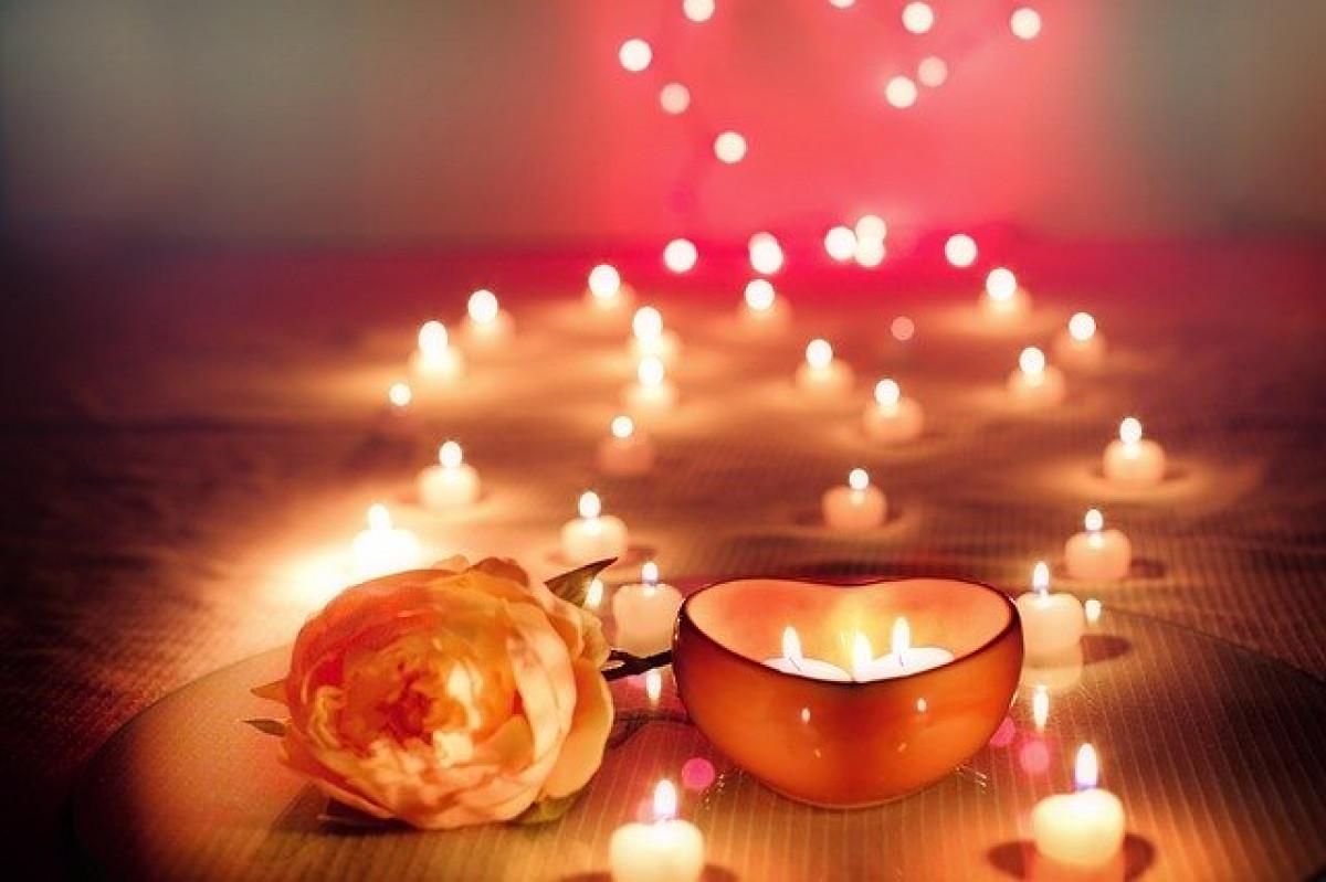 Penkios Šv. Valentino staigmenų idėjos, kurios neištuštins kišenių