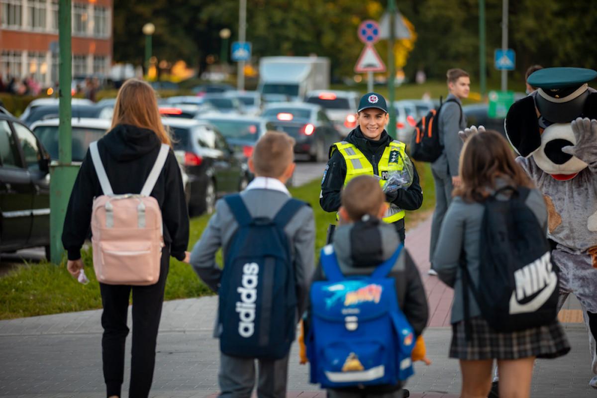 Klaipėdos pareigūnai mažiesiems priminė saugaus elgesio keliuose taisykles