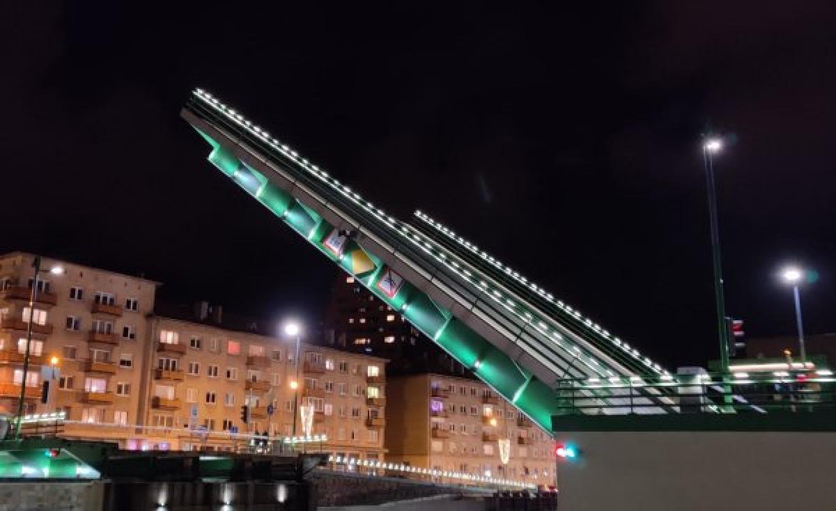 Pranešama, kada bus keliamas Pilies tiltas