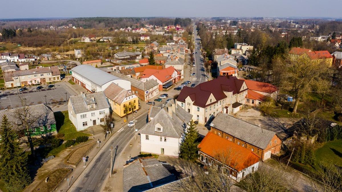 Priekulėje už 4 mln. eurų pradėta tvarkyti pagrindinė miesto gatvė