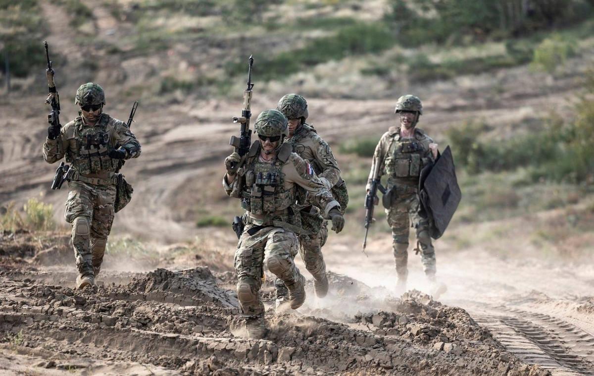 Rajone vyks karinės pratybos, karių orientacinis žygis