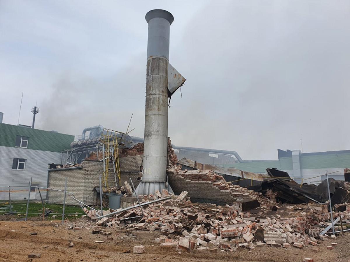Įmonėje – sprogimas ir gaisras, nukentėjo 9 žmonės