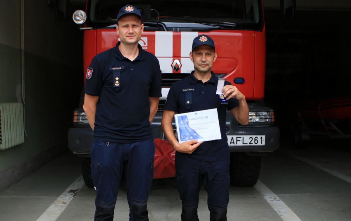 Tauragės priešgaisrinės gelbėjimo tarnybos pamainos vadas įvertintas už pasiaukojimą ir atsidavimą