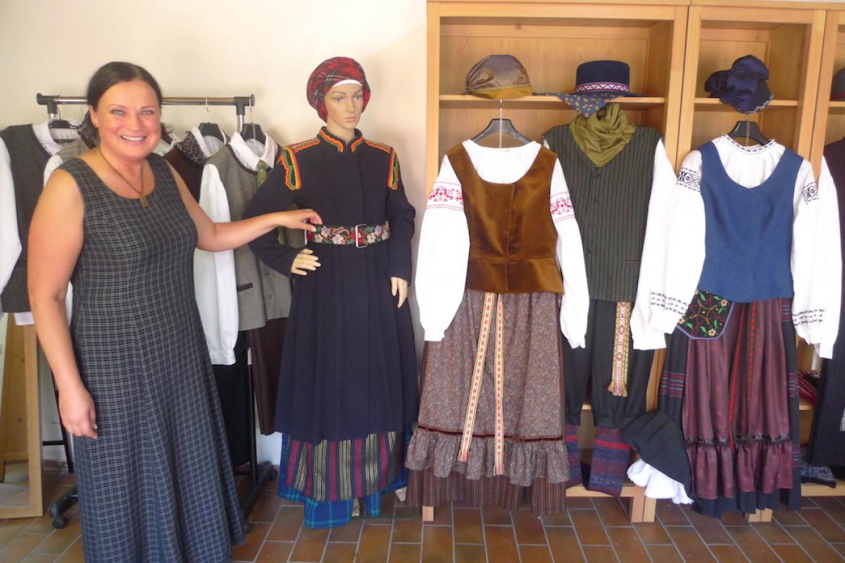 Klaipėdos etnokultūros centre pristatomi liaudiškojo siuvinėjimo Mažojoje Lietuvoje pavyzdžiai