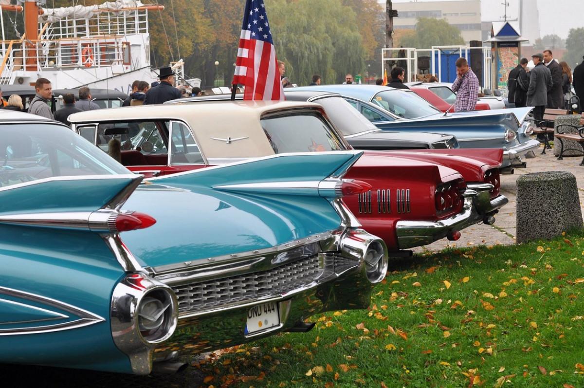 """Istorinių automobilių klubas """"Seni kibirai"""" šeštadienį atidarys jau devintąjį sezoną"""