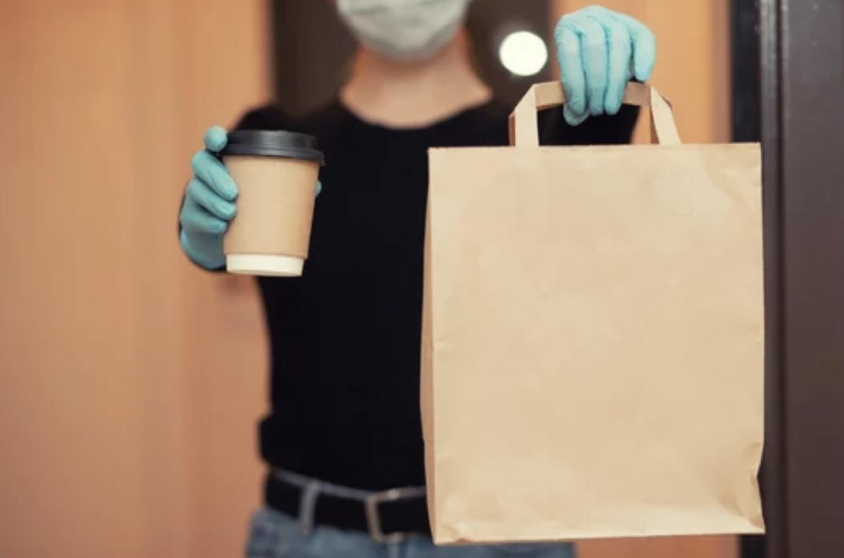 Galimybių paso neturintys žmonės maistą išsinešimui atsiims atskirose restoranų ir kavinių patalpose
