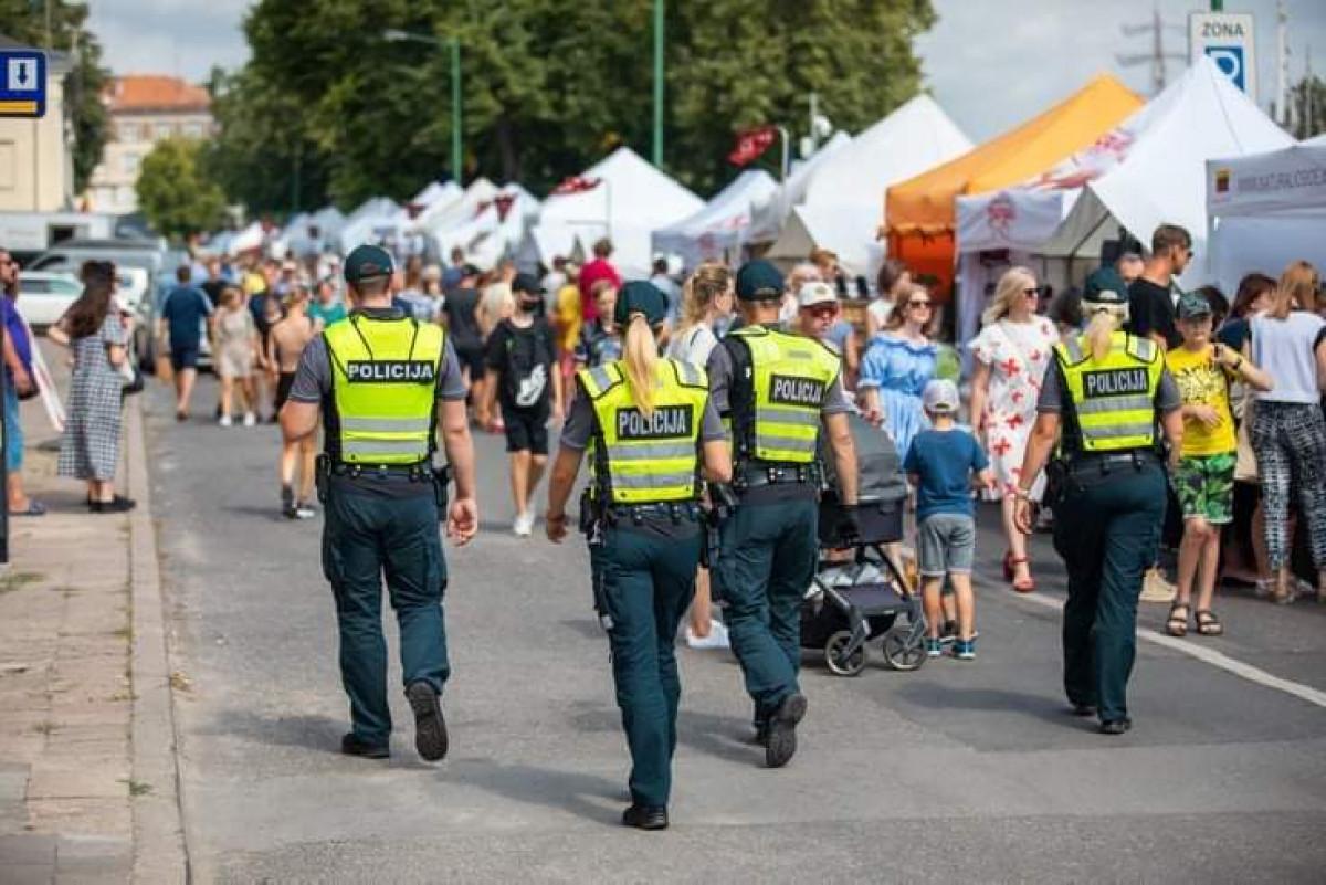 Jūros šventės saugumui ypatingą dėmesį skyrusi policija džiaugiasi - pirmoji para praėjo ramiai