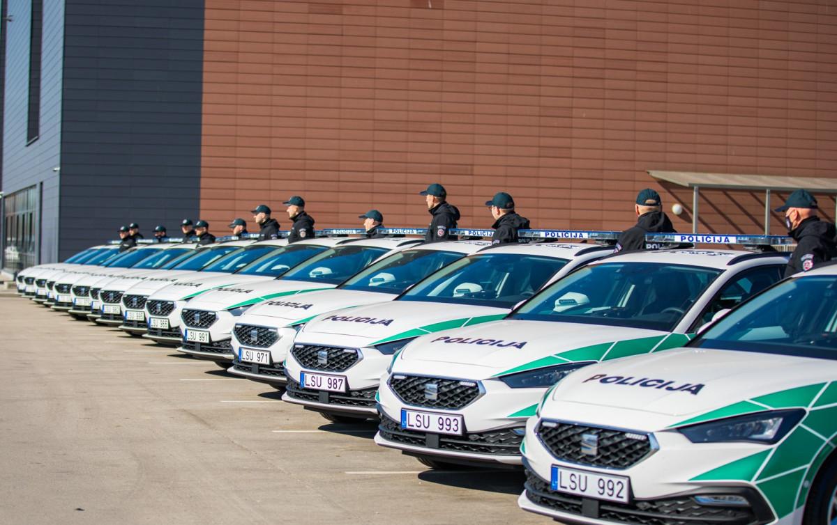 Klaipėdos apskrities pareigūnai gavo naujus tarnybinius automobilius
