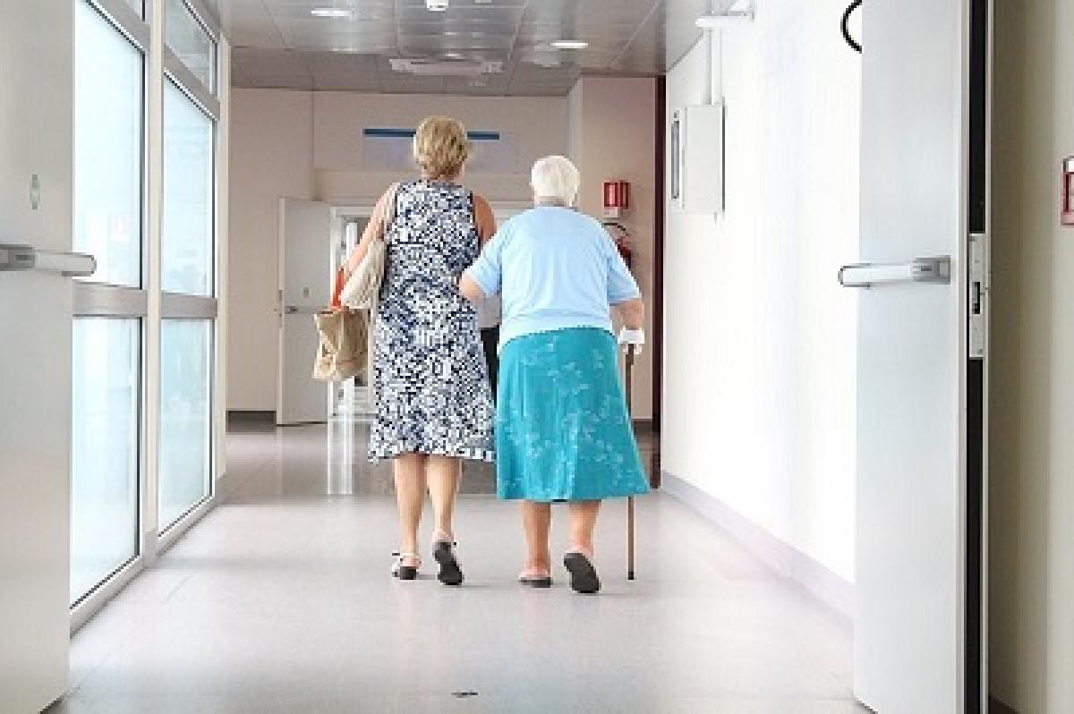 Naujai pasiskiepiję senoliai galės gauti vienkartinę išmoką