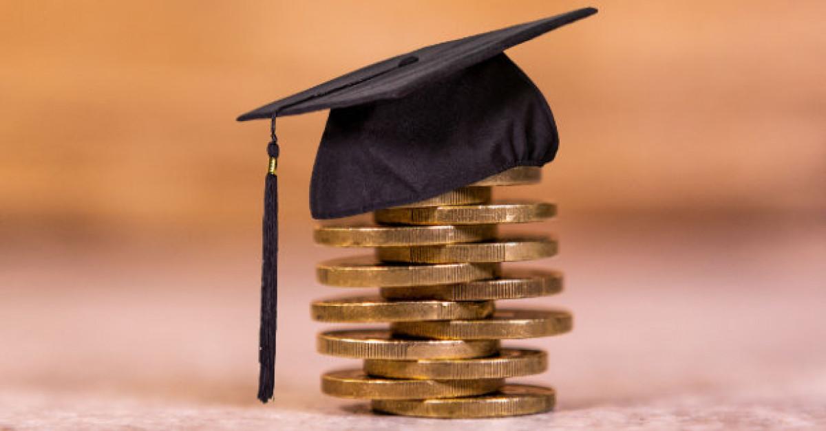 Klaipėdos universiteto studentams skirta 16 uostamiesčio savivaldybės stipendijų