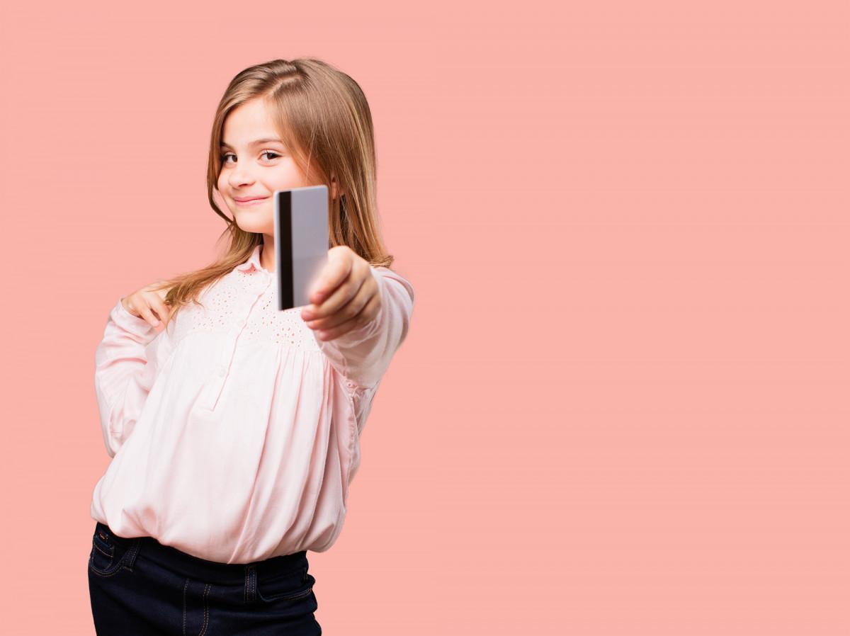 """""""Swedbank"""" pristatė galimybę sąskaitą vaikams atidaryti nuotoliniu būdu"""