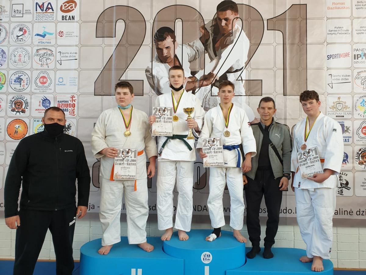 Lietuvos jaunių dziudo čempionate klaipėdiečiai iškovojo visų spalvų medalius