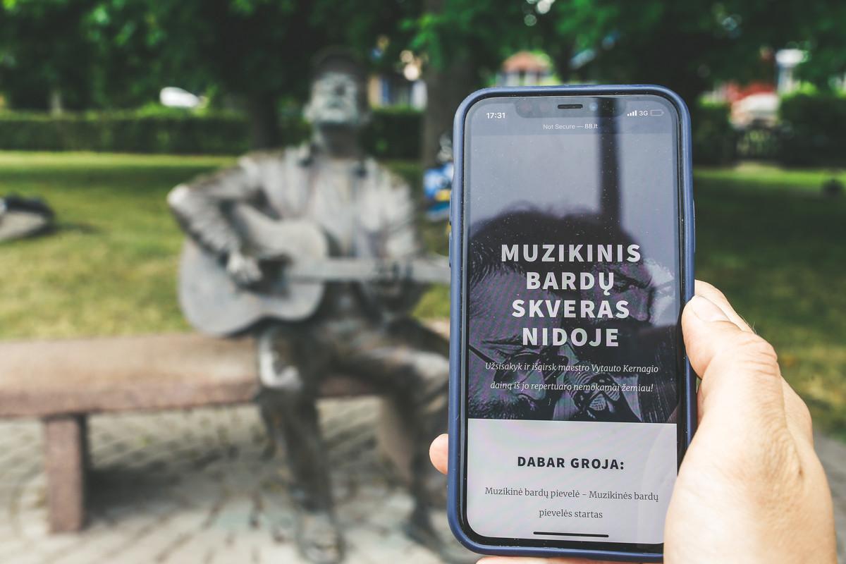 Bardų skvere Nidoje – nauja nemokama muzikinė pramoga