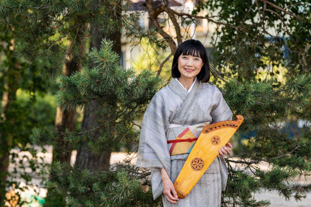 Lietuviškos kanklės pavergė japonės širdį: festivalyje Neringoje vieši ponia Yuko Yamasaki